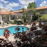 Red Roof Inn PLUS+ & Suites Tampa