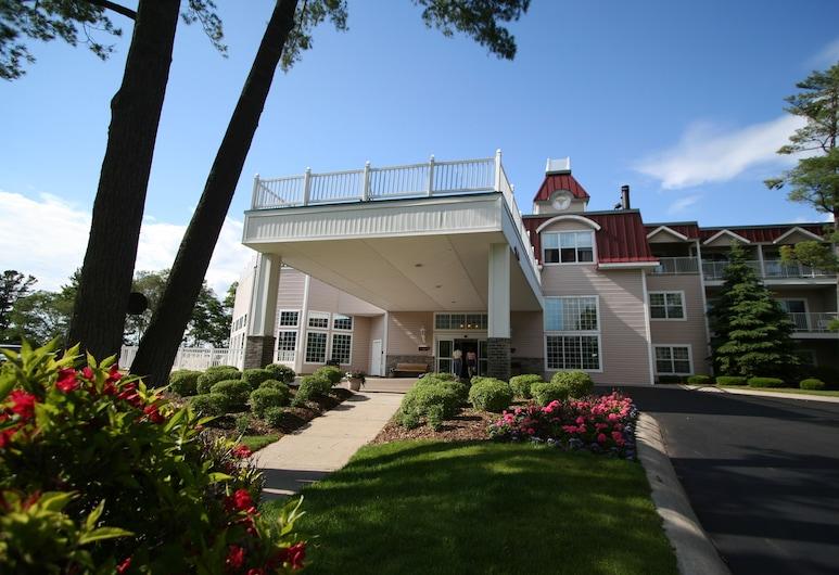 Bayshore Resort, Traverse City, Hotel Entrance