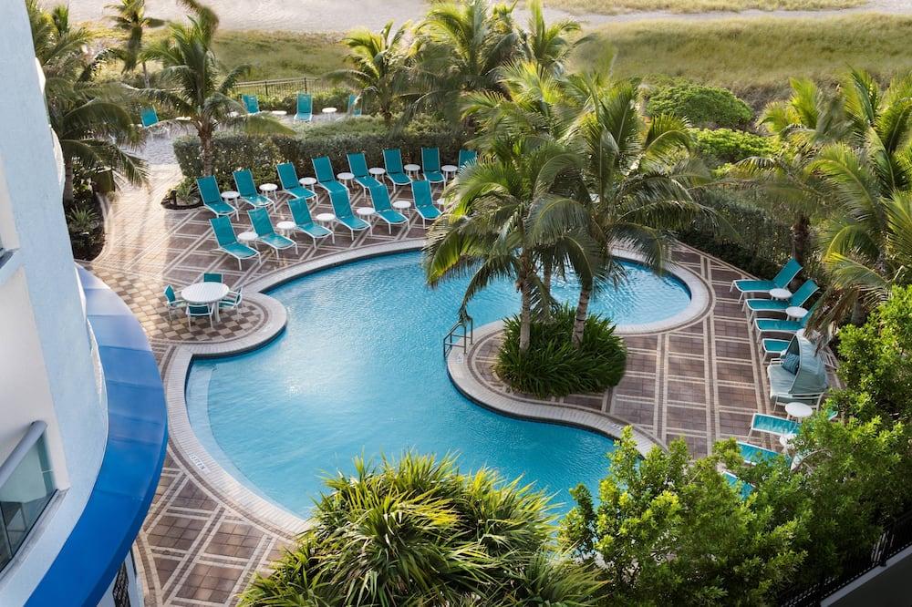 Στούντιο, 2 Queen Κρεβάτια, Μπαλκόνι, Μερική Θέα στη Θάλασσα - Εξωτερική πισίνα