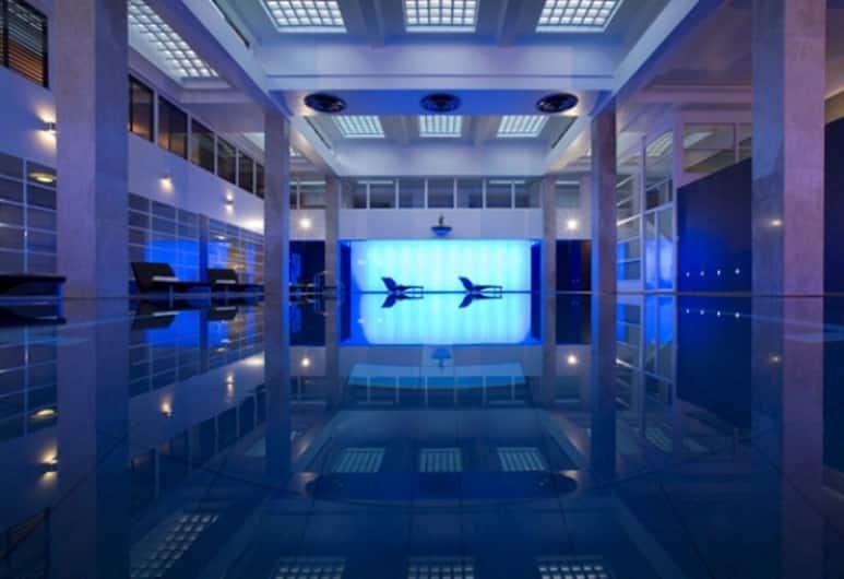 Dolphin House Serviced Apartments, London, Innenpool