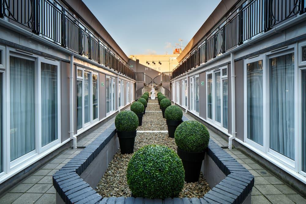 Privilege - Premium-dobbeltværelse - 1 dobbeltseng - Udsigt til gårdsplads