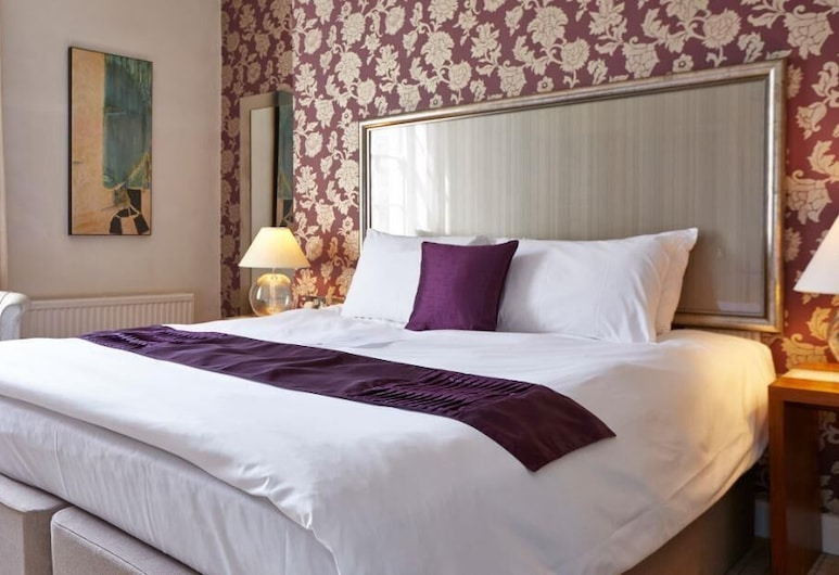 The Bear Hotel by Greene King Inns, Hungerford, Standard Double Room, Guest Room
