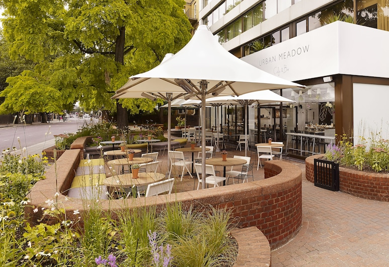 DoubleTree by Hilton Hotel London - Hyde Park, London, Terrace/Patio