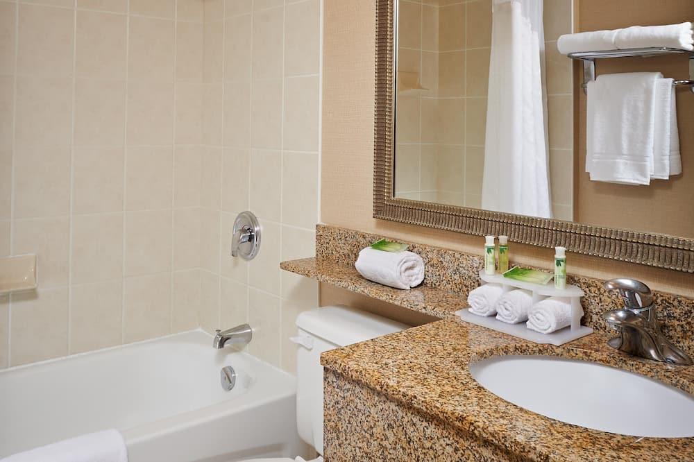 Tuba, 1 lai voodi, erivajadustele kohandatud, suitsetamine keelatud (Wheelchair) - Vannituba