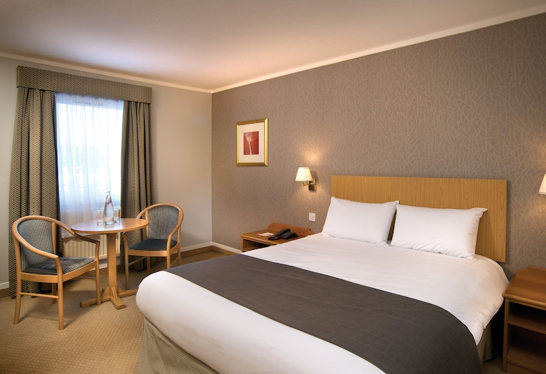 Classic Lodges -The Hickstead Hotel, Haywards Heath, Classic Double Room Single Use, Guest Room