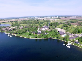 Picture of Lake Lawn Resort in Delavan