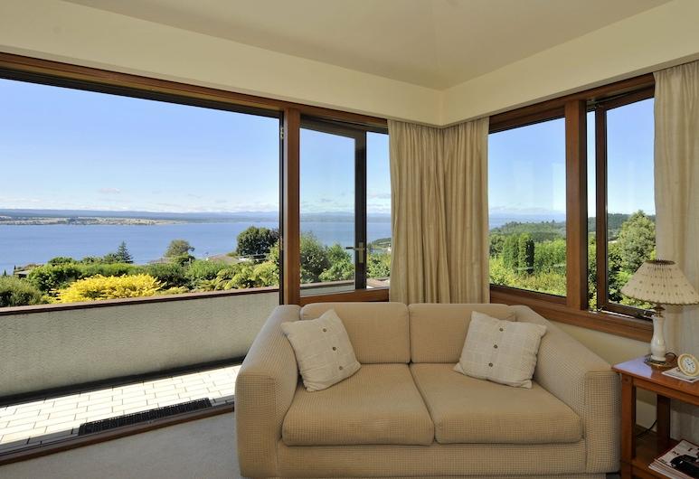 Lake Taupo Lodge, Taupo, Lake Executive Suite, Living Room