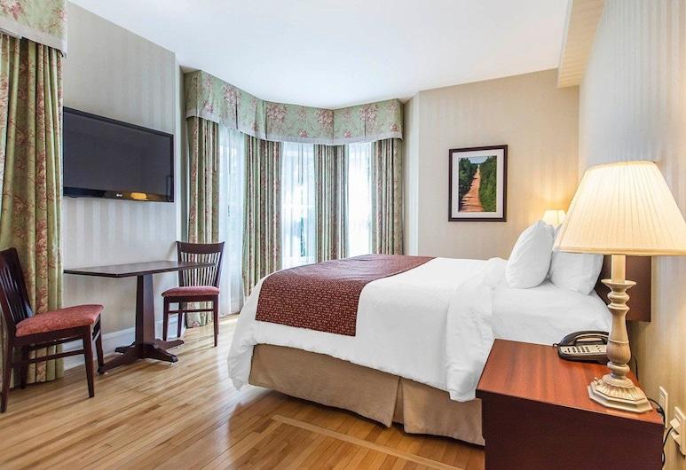 Quality Inn & Suites Downtown, שרלוטאון, חדר אורחים