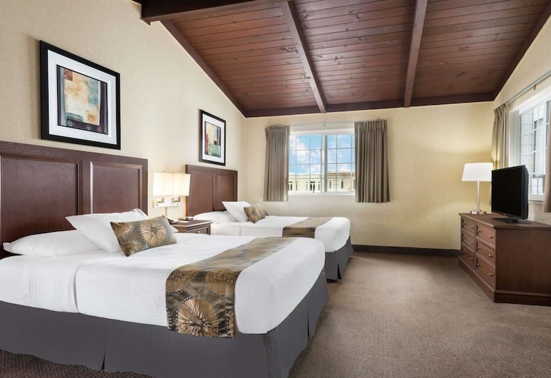 Travelodge by Wyndham San Francisco Bay, San Francisco, Double Room, 2 Double Beds, Guest Room