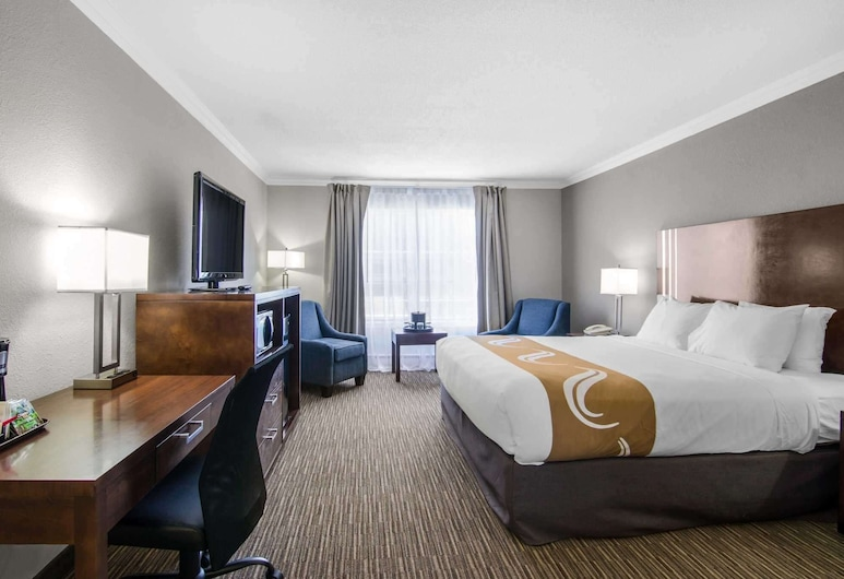 Quality Inn Downtown Inner Harbour, Victoria, Superior Room, 1 King Bed, Guest Room