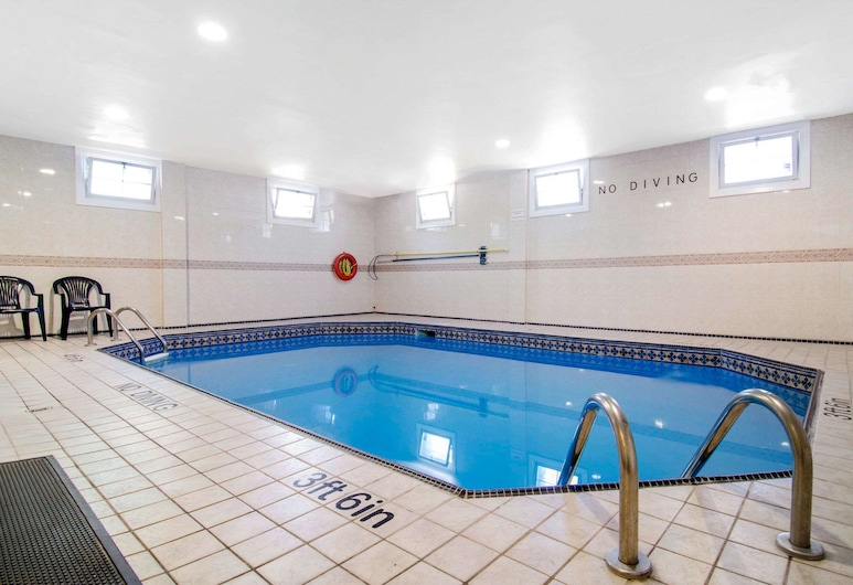 Quality Inn Downtown Inner Harbour, Victoria, Pool