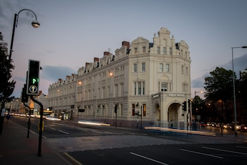 Picture of The Angel Hotel in Cardiff