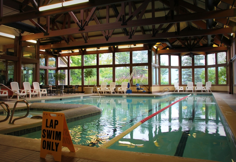 水晶山飯店, 湯普遜維, 室內游泳池
