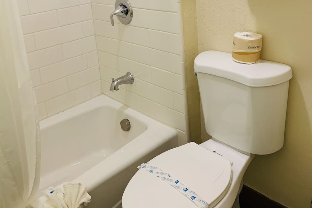 Standard Room, 2 Katil Ratu (Queen), Non Smoking - Bilik mandi