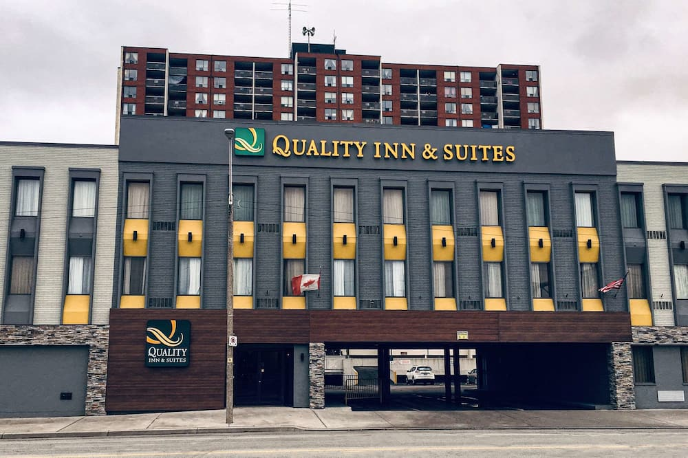 Quality Inn & Suites Downtown