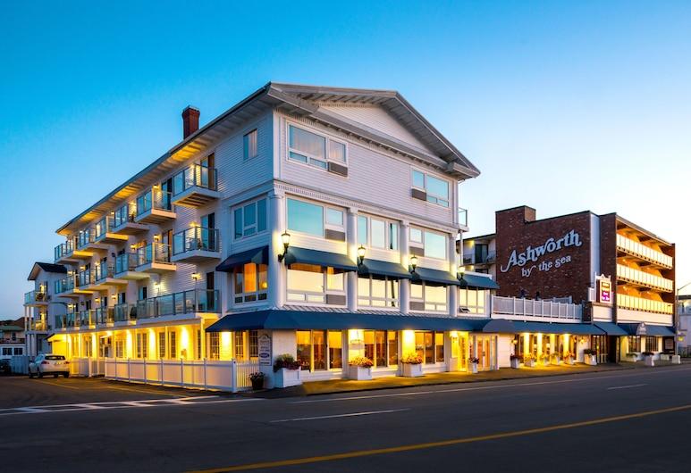 Ashworth by the Sea, Hampton, Facciata hotel (sera/notte)