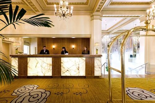 豪華酒店/