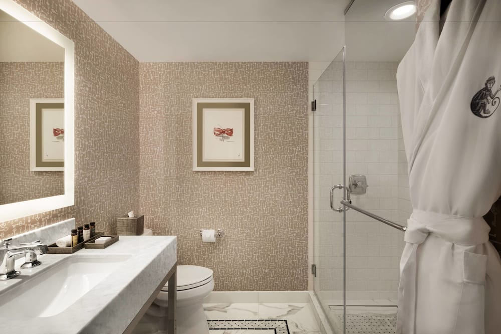 Suite, 1 King Bed, Non Smoking, Fireplace - Bathroom