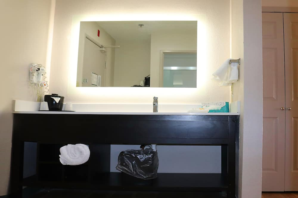 Deluxe Room, 1 King Bed (Executive) - Bathroom