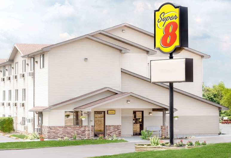 Super 8 by Wyndham Kent/Akron Area, Kent