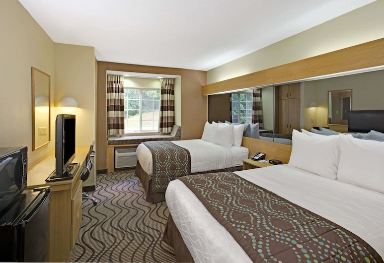Microtel Inn by Wyndham Charlotte/University Place, Charlotte, Standard Room, 2 Queen Beds, Guest Room