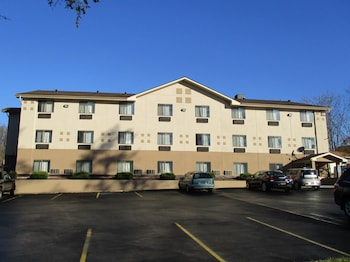 Enter your dates to get the Montoursville hotel deal