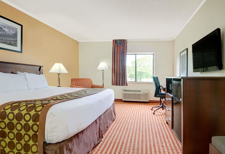 Days Inn & Suites by Wyndham Kansas City South, Kansas City