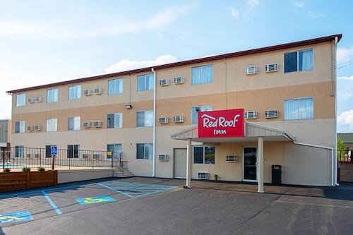 卡麥隆紅屋頂酒店/