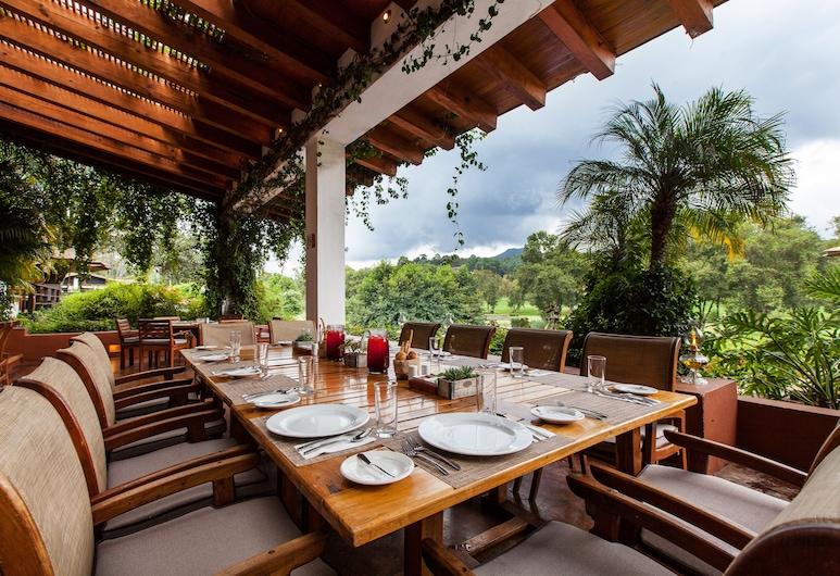 Hotel Avandaro Golf And Spa, Valle de Bravo, Vakarienės lauke