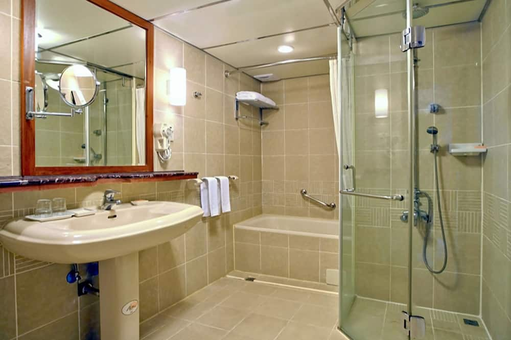 Double Room, No Windows - Bilik mandi