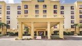 Dieses 2-Sterne-Hotel in San Antonio auswählen