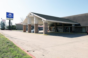 Picture of Americas Best Value Inn Huntsville in Huntsville
