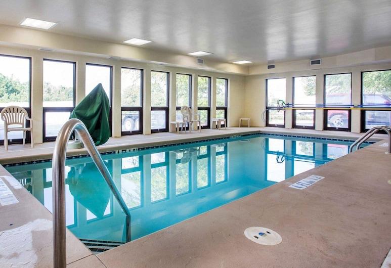 Comfort Inn & Suites at Stone Mountain, Stone Mountain, Pool