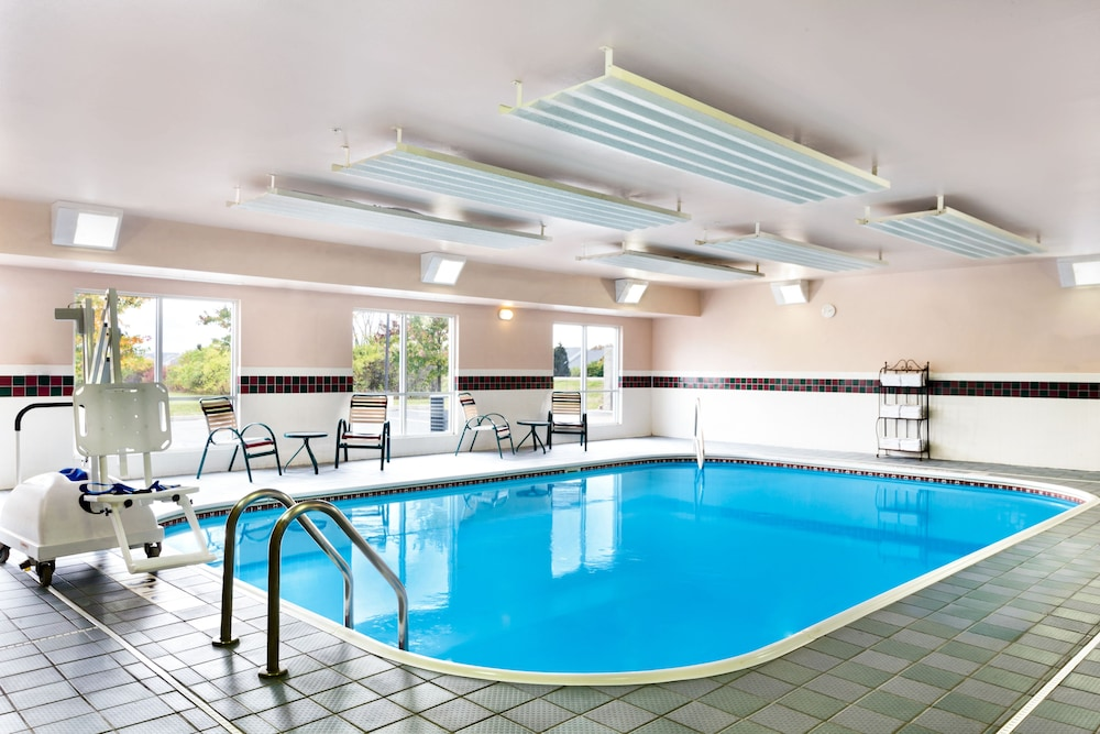 Country Inn Suites By Radisson Marion Oh Indoor Pool