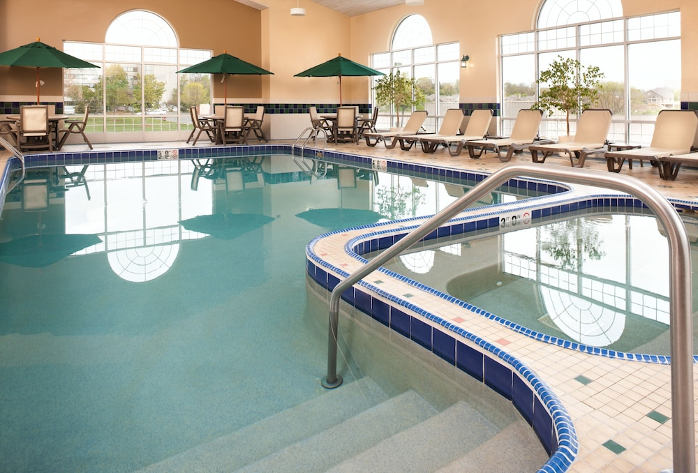 Country Inn Suites By Radisson Milwaukee West Brookfield Wi