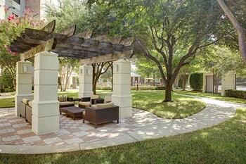 Addison bölgesindeki Courtyard by Marriott Dallas Addison/Quorum Drive resmi