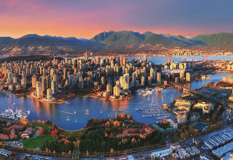 Vancouver Marriott Pinnacle Downtown, Vancouver, Letecký pohled