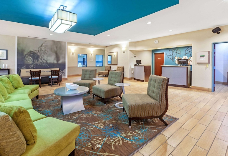 La Quinta Inn & Suites by Wyndham South Bend, South Bend, Hall