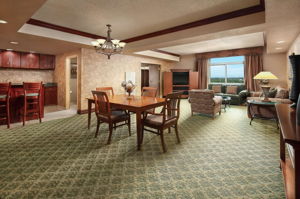 Presidential Suite, 1 King Bed, Non Smoking - Living Area