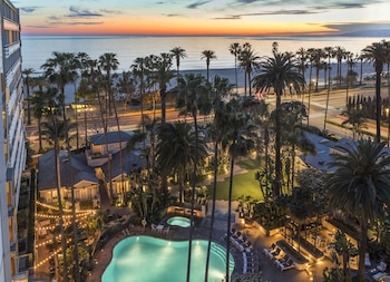 Save BIG with These Awesome Santa Monica Hotel Deals - California