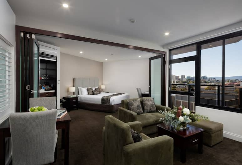 Rydges Adelaide, Adelaide, Premier Room, Jetted Tub, Guest Room