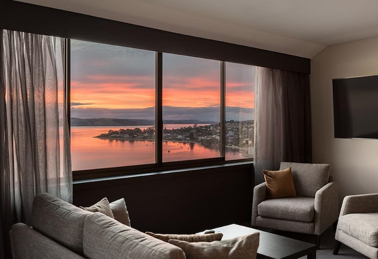 联邦集团来朋酒店, 桑迪湾, 套房, 1 张特大床, 海港景观, 客房