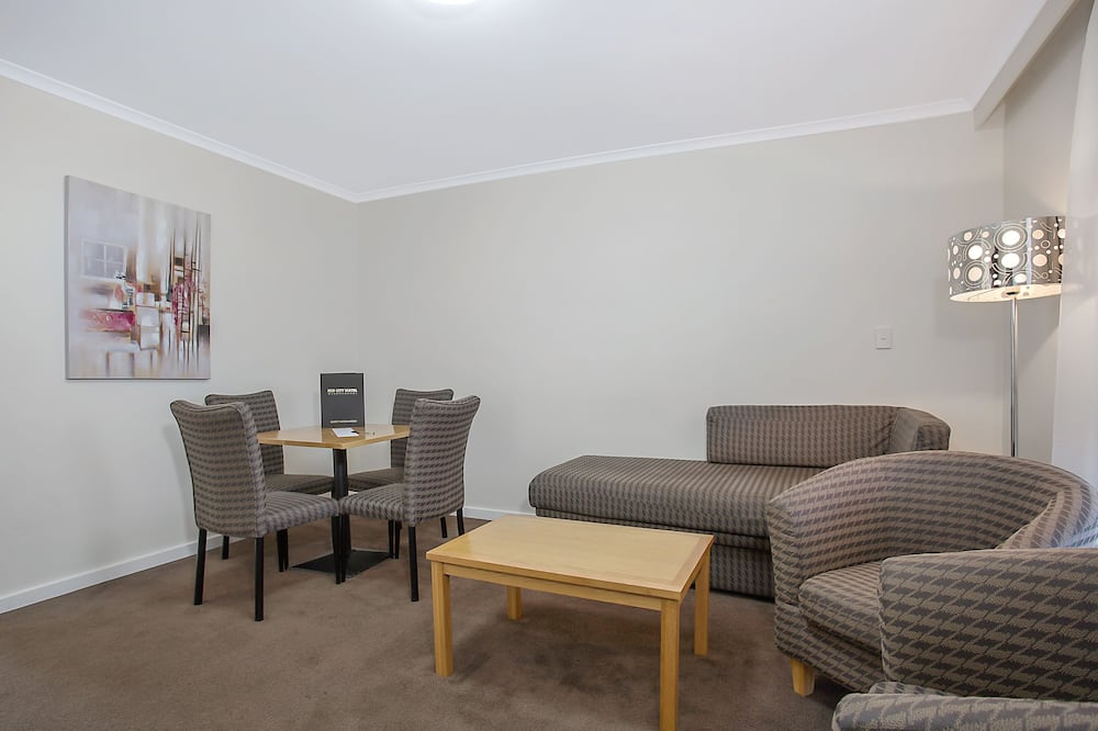 Family Suite, Multiple Beds, Kitchenette - Living Area