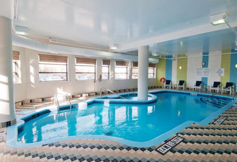 Holiday Inn Hotel & Suites Ottawa Kanata, Ottawa, Uima-allas