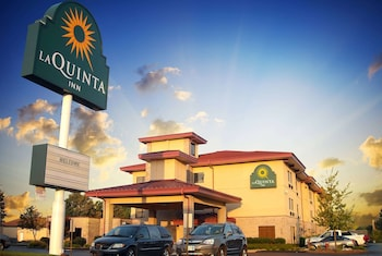 Picture of La Quinta Inn & Suites by Wyndham Springfield South in Springfield