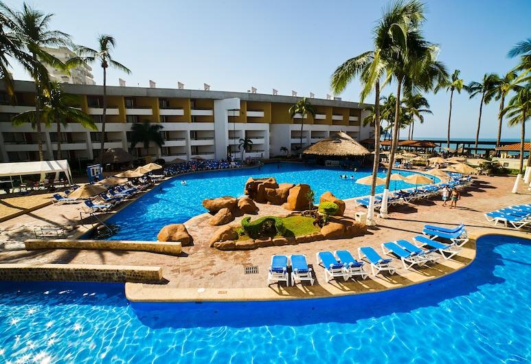 El Cid Castilla Beach Hotel, Mazatlan, Outdoor Pool