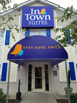 Choose This 2 Star Hotel In Greenville