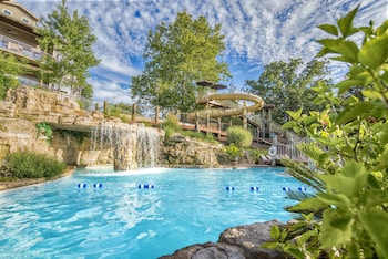 Picture of Still Waters Resort in Branson
