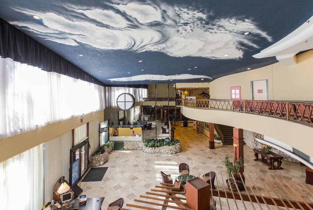 Days Hotel - Thunderbird Beach Resort, Sunny Isles Beach