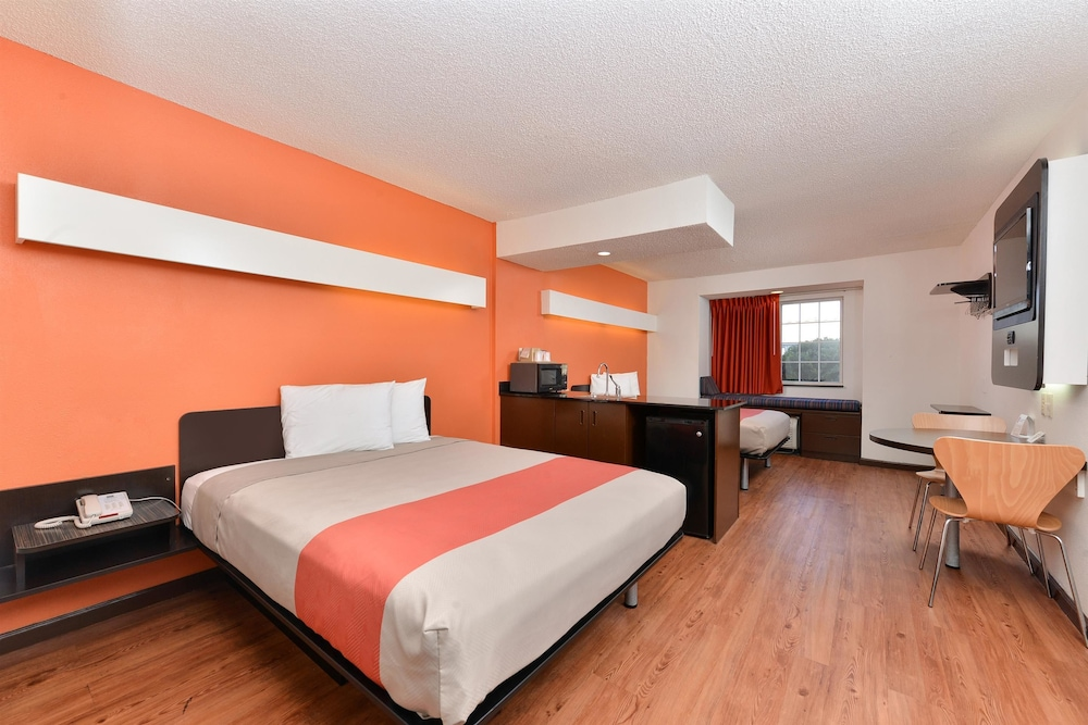 Motel 6 Richburg Room 1 King Bed Non Smoking Guest